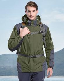 男款加厚冲锋衣外套 防水透气科技