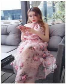 夏季新品刺绣精致花朵优雅吊带连衣裙女夏短裙吊带裙西米亚度假长裙夏仙